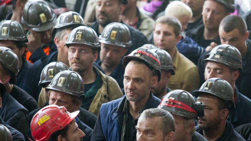 Górnicy z KWK Kazimierz-Juliusz wyjechali na powierzchnię