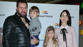 Małgorzata Rozenek-Majdan i Tomasz Karolak z dziećmi na salonach. O co chodzi?