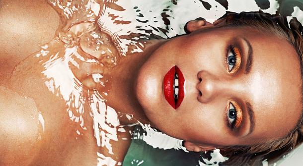 Wakacyjny makijaż: 7 kosmetyków na lato