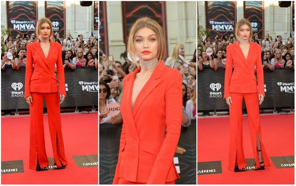 Best Look: Gigi Hadid w garniturze Mugler