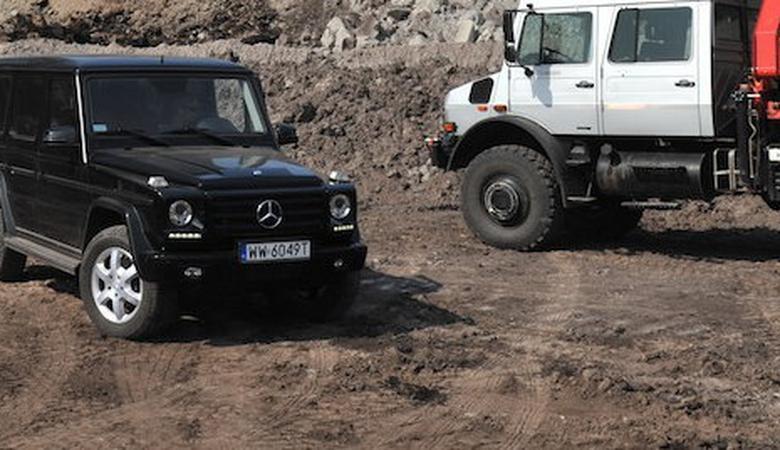 Mercedes klasy G i Unimog U 5000: liliputy w krainie dinozaurów | TEST