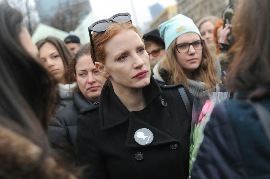 Jessica Chastain podczas manifestacji w Warszawie