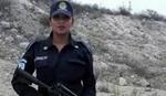 SEĆATE SE POLICAJKE U TOPLESU? Evo kako joj je vrela slika u patrolnim kolima promenila život
