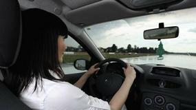 Kobieta za kierownicą - czy wtedy jest bezpieczniej?