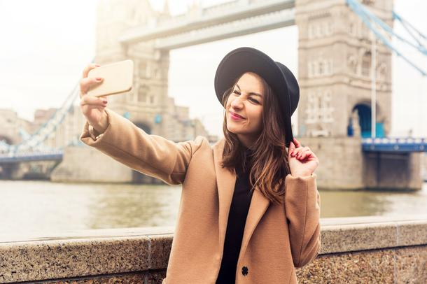 Era selfie. Jak selfie zawładnęło naszym życiem