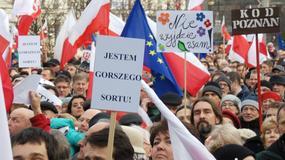 """""""Precz z kaczyzmem"""" i """"Spieprzaj dziadu"""" skandowano na Placu Wolności w Poznaniu"""