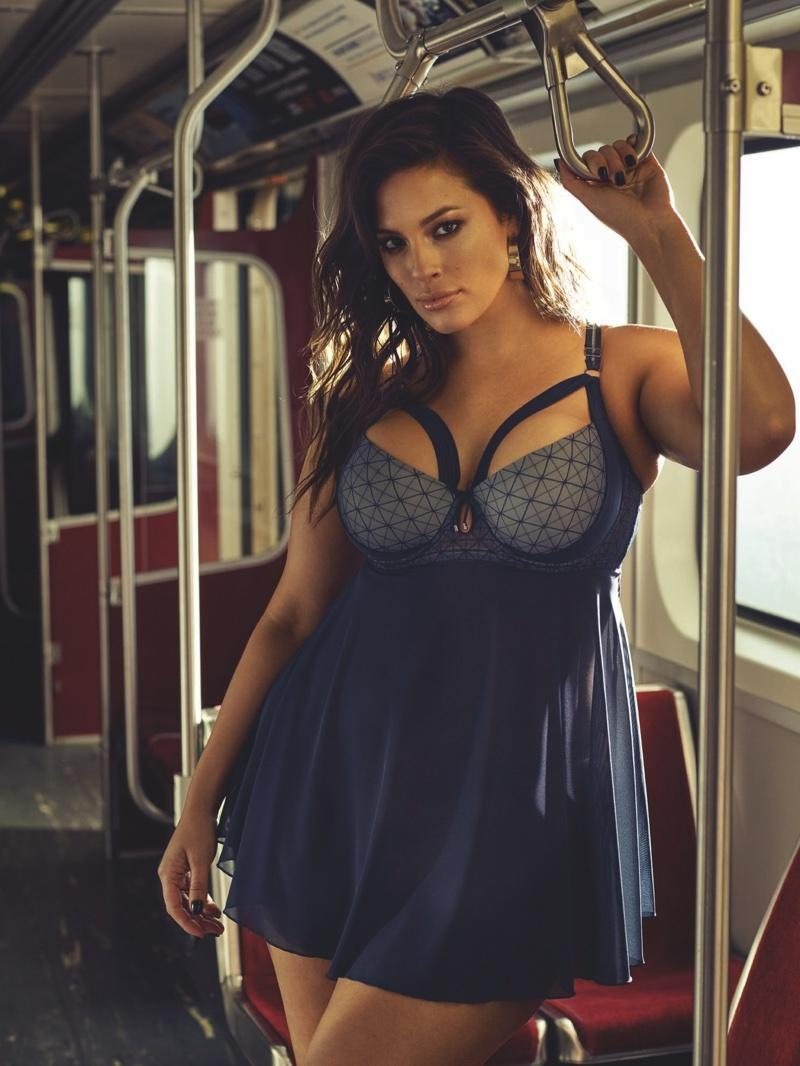 Ashley-Graham-Subway-Addition-Elle-Lingerie-Campaign06