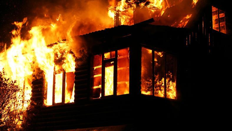 Kigyulladt az MSZP volt székháza /Fotó: Northfoto - illusztráció