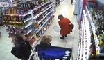 Ovakvu krađu u prodavnici još niste videli