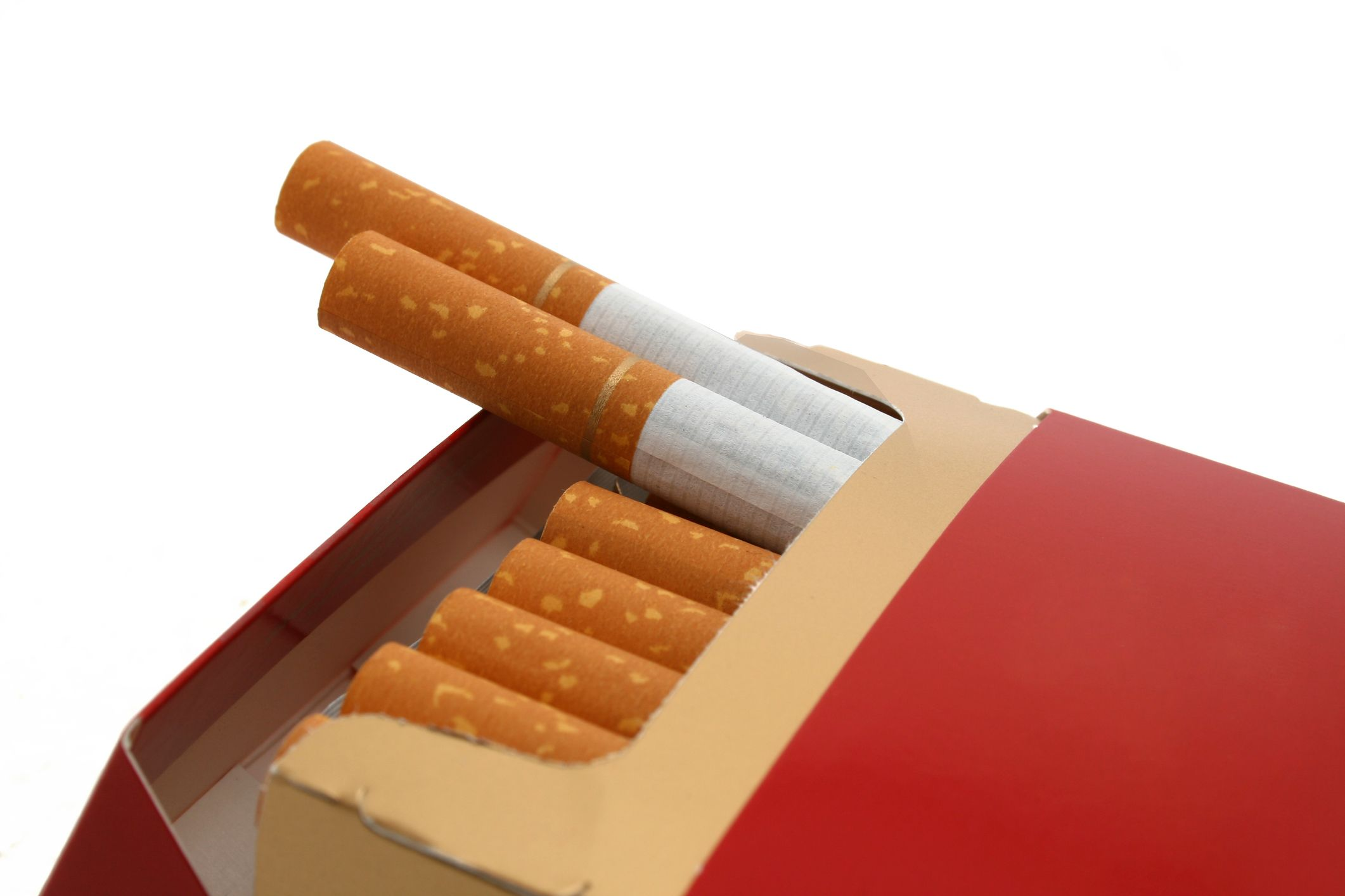 Magyarországra is elér a drasztikus cigiáremelés? - A franciáknál már luxuscikk