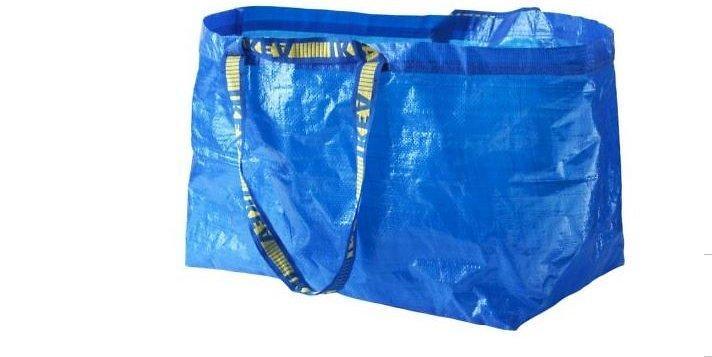 Kultowa, niebieska torba IKEA