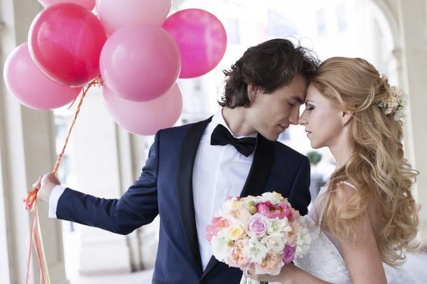 Modne przygotowania do ślubu: od sukienki po listę gości