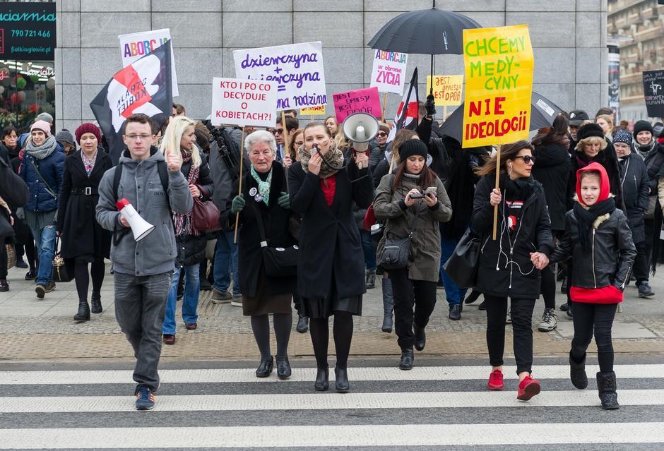 """Manifestacja """"Polska jest kobietą"""""""