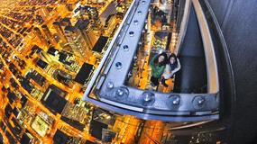 """Platforma widokowa """"The Ledge"""" na 103 piętrze wieżowca w Chicago"""