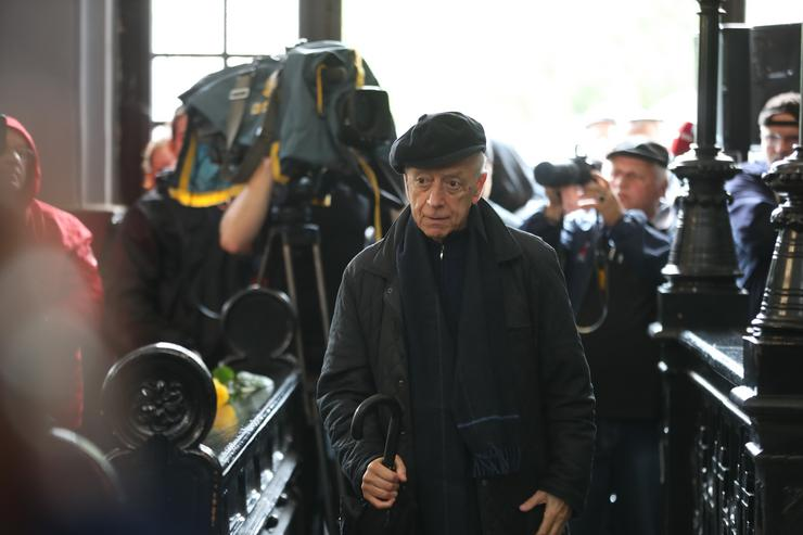 Szirtes Tamás is lerótta tiszteletét Székhelyi temetésén /Fotó: Isza Ferenc