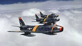 North American F-86 Sabre - pierwszy seryjnie produkowany odrzutowiec, który latał z prędkością dźwięku