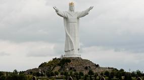 Ostatnie prace przy renowacji figury Chrystusa Króla w Świebodzinie