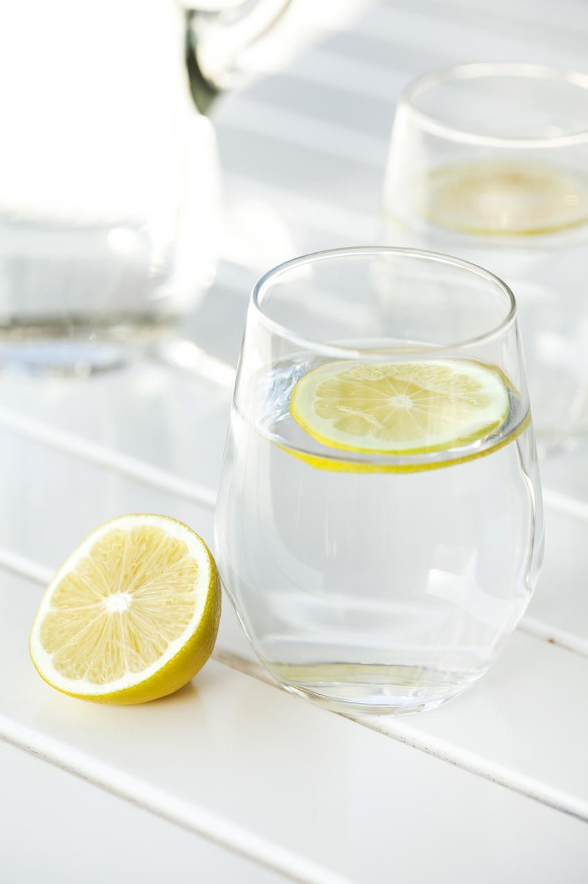 Pamiętaj o piciu wody
