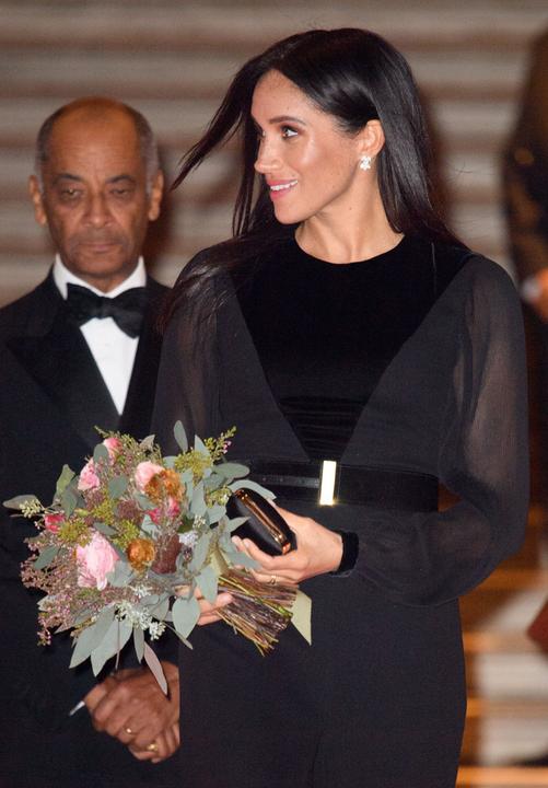 Tökéeletesen képviselte a kiállítás megnyitóján a királyi családot.