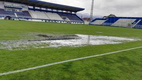 Teren na Gradskom stadionu u Novom Pazaru prepun bara /FOTO/