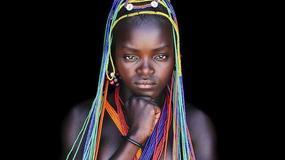 Przez siedem lat żył wśród afrykańskich plemion. Zrobił setki przepięknych zdjęć