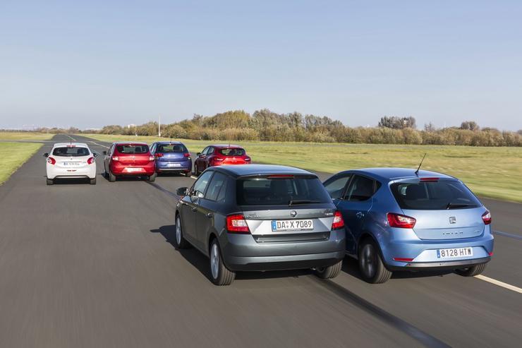 Renault sandero vs skoda fabia