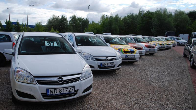 Jak wybrać auto? Wady i zalety samochodów w różnym wieku