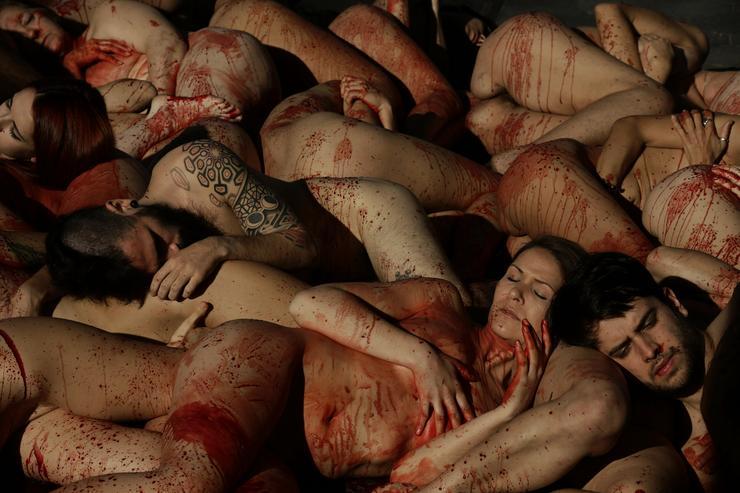 Például a ruhaiparban elkövetett felesleges mészárlások miatt / Fotó: MTI