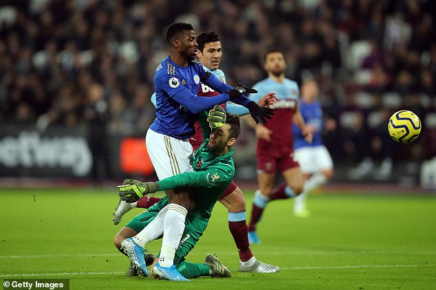 Kelechi Iheanacho got a penalty for Leicester City after he was brought down in the box by West Ham goalkeeper Łukasz Fabiański (Getty Images)