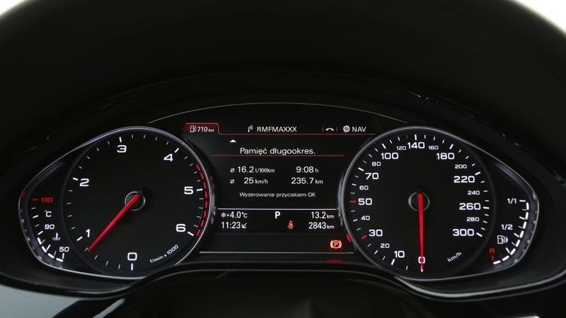 Audi A8 L – zegary