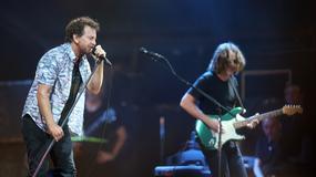 """Pearl Jam gra piosenkę """"Let it Go"""" z """"Krainy lodu"""""""