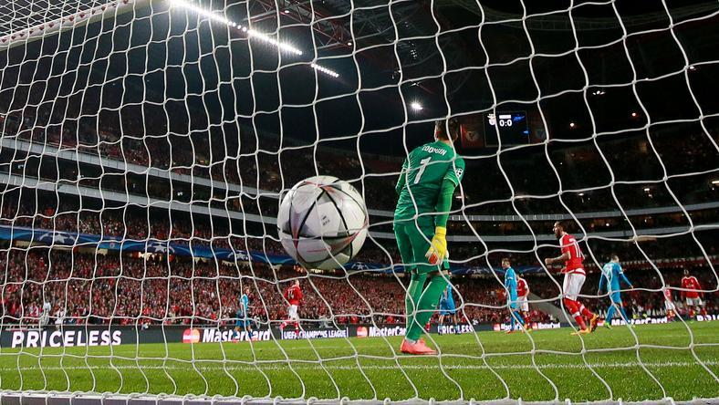 Csak az a gól, amit a bíró megad!/Fotó: AFP