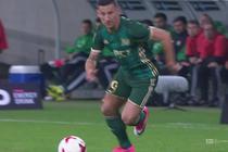 Śląsk - Lech (0:0): Początek dla gospodarzy. Odważny strzał Piecha z dystansu, Putnocky broni z klasą