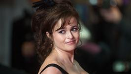 Helena Bonham Carter jako Elizabeth Taylor