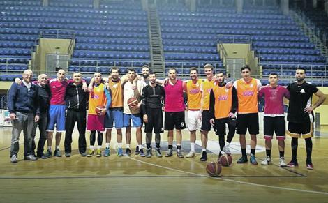 Košarkaši Smedereva i trener Todorović