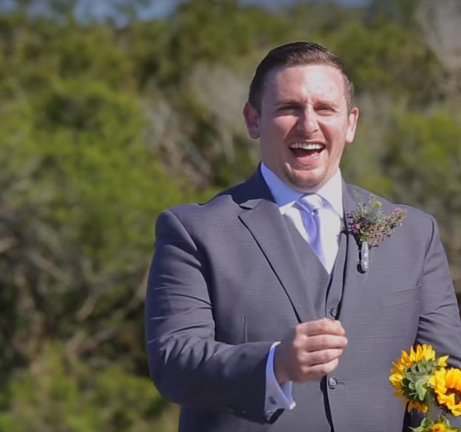 Amikor A Szürke Nem Hétköznapi: Amikor A Vőlegény Meglátta A Menyasszonyt Röhögőgörcsöt
