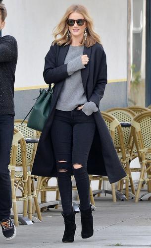 Best Look: Rosie Huntington-Whiteley w casualowej stylizacji