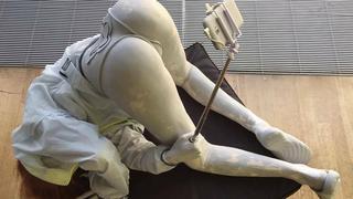 Hit sieci: rzeźba szwedzkiej artystki satyrą na społeczeństwo