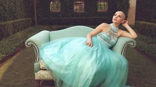 Przez chorobę straciła włosy. Tą sesją pokazała, że rak nie odbierze jej kobiecości