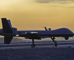 """Dronovi koji """"misle kao ljudi"""" spremni da KRENU NA RATIŠTA"""