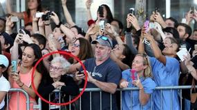 To zdjęcie udostępniają tysiące internautów z całego świata. Ma niezwykłe przesłanie
