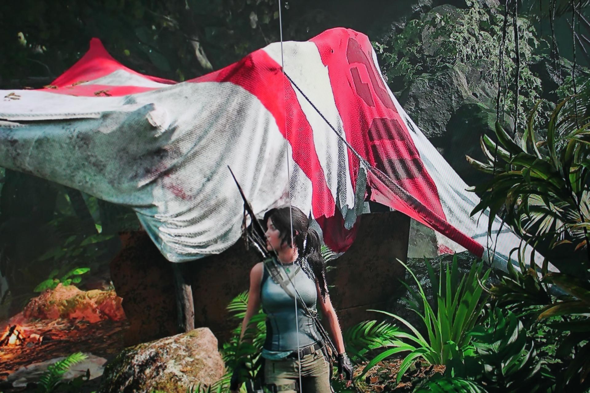 Shadow of the Tomb Raider v rozlíšení 1080p: vľavo základný upscaling, vpravo AI upscaling najvyššej úrovne.