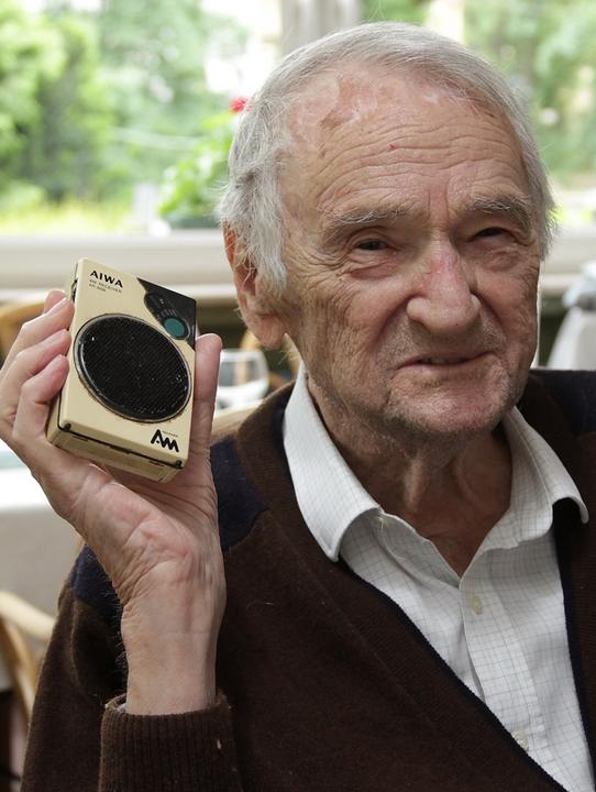 96 évesen hunyt el,