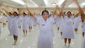 Tajlandia - wesołe pielęgniarki w Bangkoku