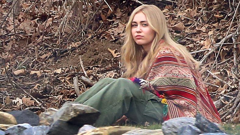 Miley Woody Allen legújabb sorozata miatt húzott újra szőke parókát / Fotó: Northfoto