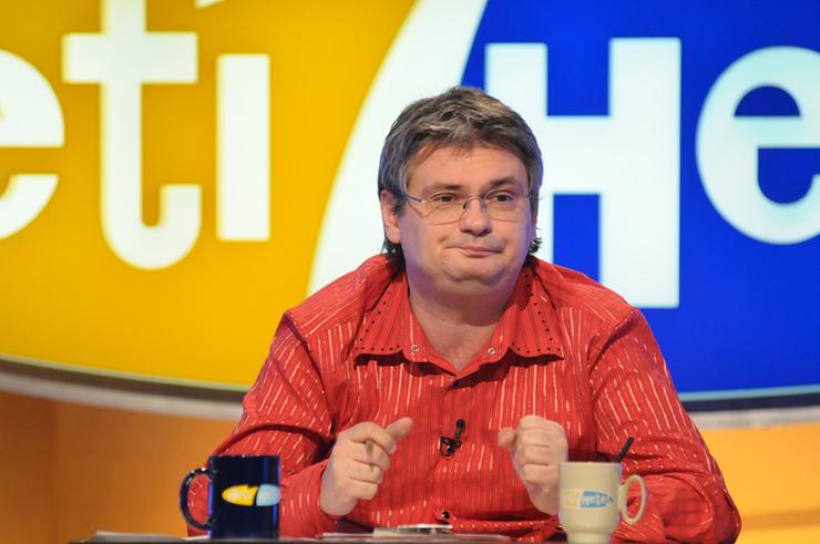 A műsorvezető a rendszeres éjszakai evés miatt szedett fel sok kilót.