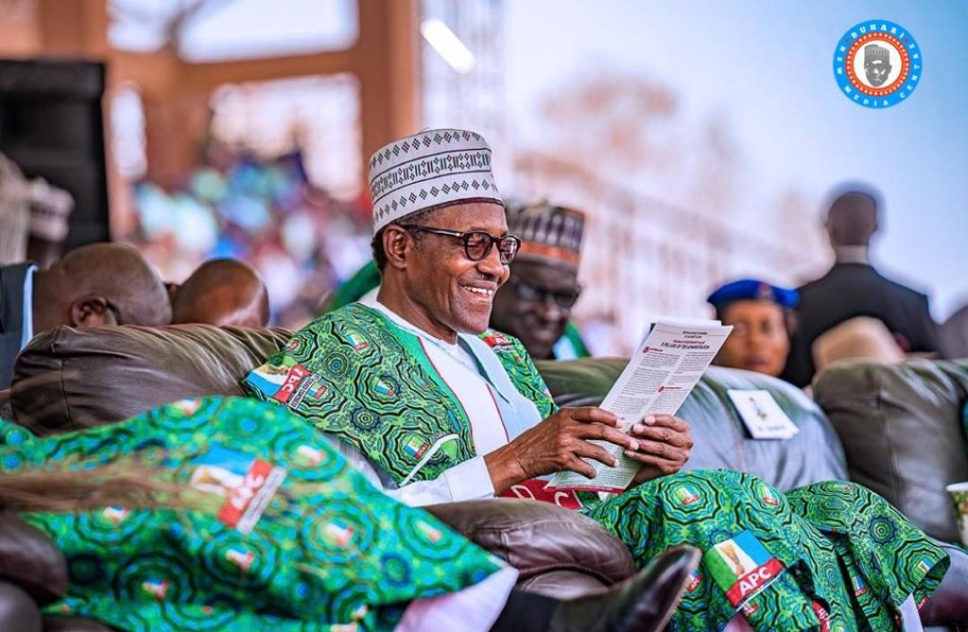 Buhari meets Ekiti traditional rulers, seeks support for re-election