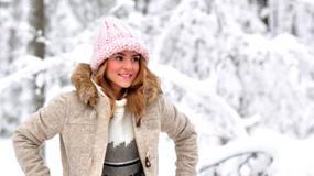 Kasia Tusk na śniegu z...gołymi kolanami