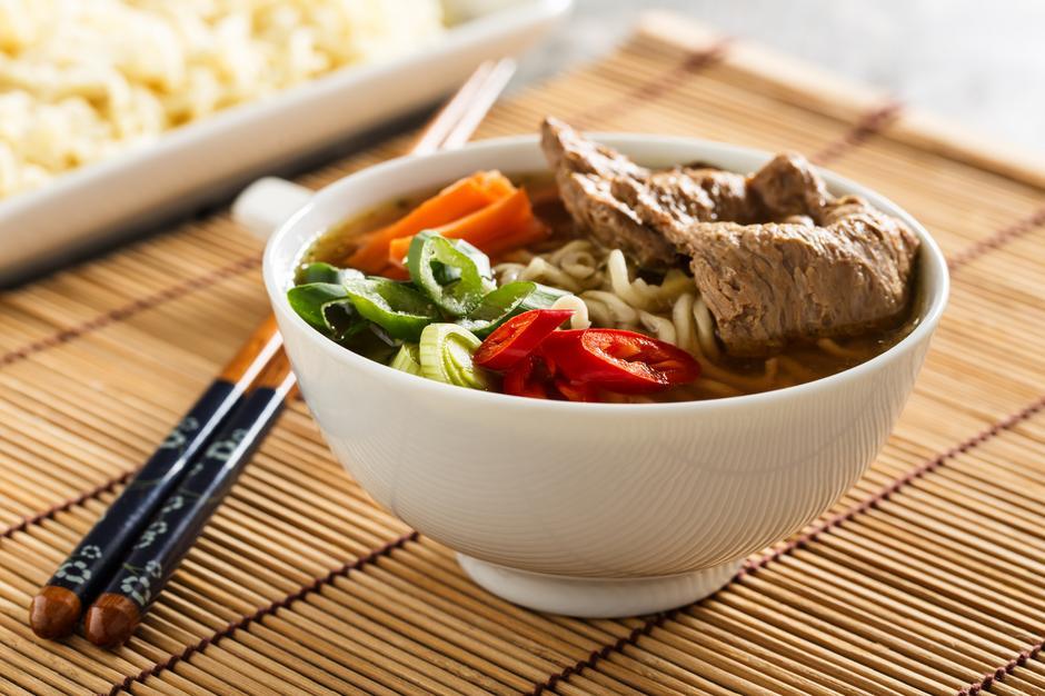 Gorący posiłek w ciągu dnia