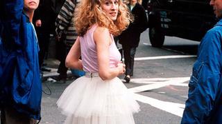 """Znamy cenę tiulowej spódnicy Carrie Bradshaw z """"Seksu w wielkim mieście"""""""